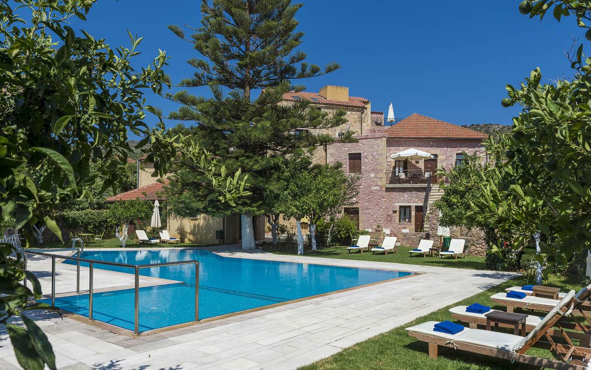 Pool garden spilia village for Garden 7 pool